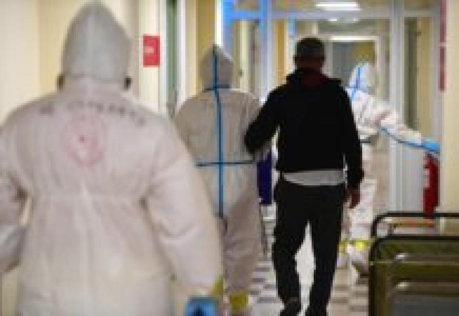 Астраханский Минздрав пояснил, почему число заболевших COVID меньше, чем лечащихся пациентов