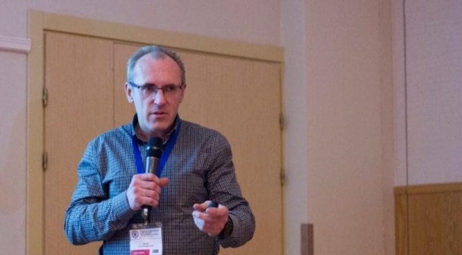 «Это первый проект в России»: В Петербурге появилась мобильная помощь пациентам с ВИЧ