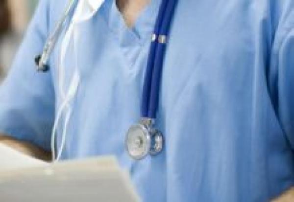Главной мишенью коронавируса стали врачи