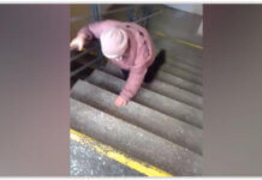 Из-за видео с ползущей пациенткой СК проверяет свердловскую больницу
