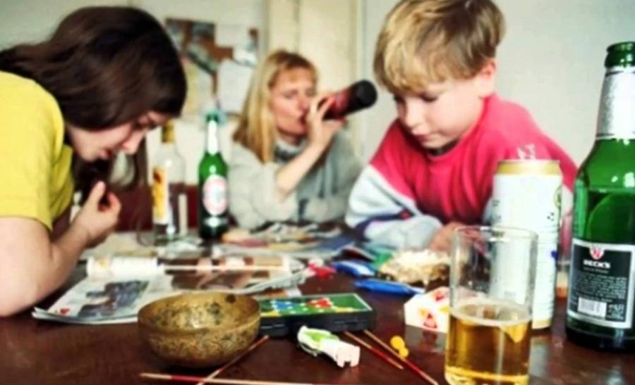 Как влияет на ребенка алкоголизм в семье