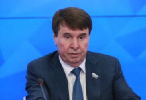 «Кто не прививается, с головой не дружит»: Цеков поддержал слова Крючкова про антиваксеров
