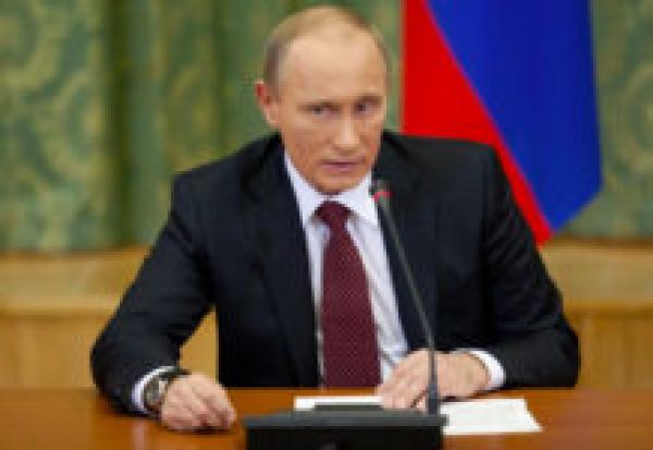 Путин поручил проверить зарплаты медработников на соответствие «майским указам»