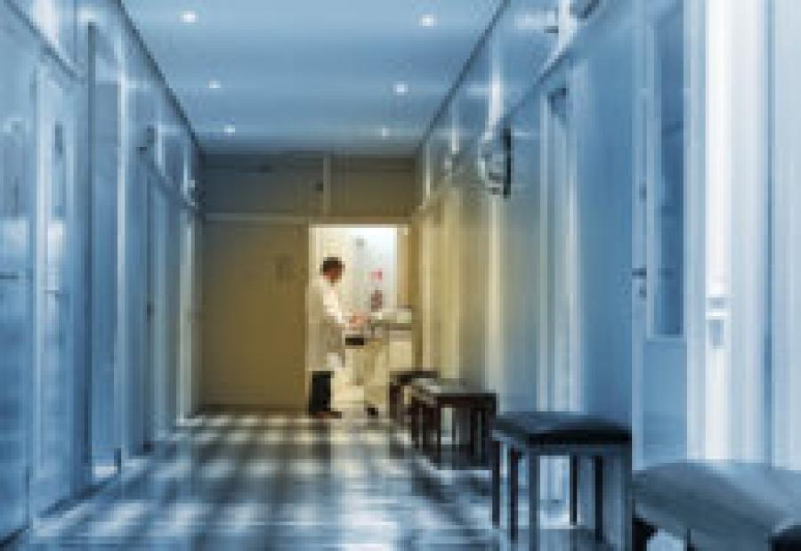 Пьяный москвич избил омского нейрохирурга во время осмотра