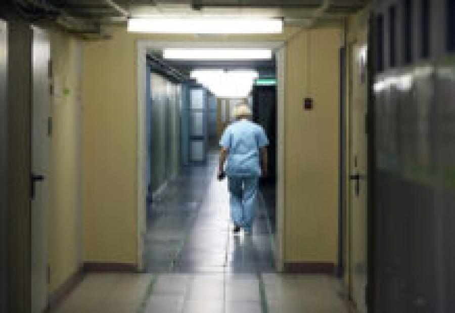 Терапевта избила на вызове пьяная родственница пациента: у врача сотрясение мозга и отёк