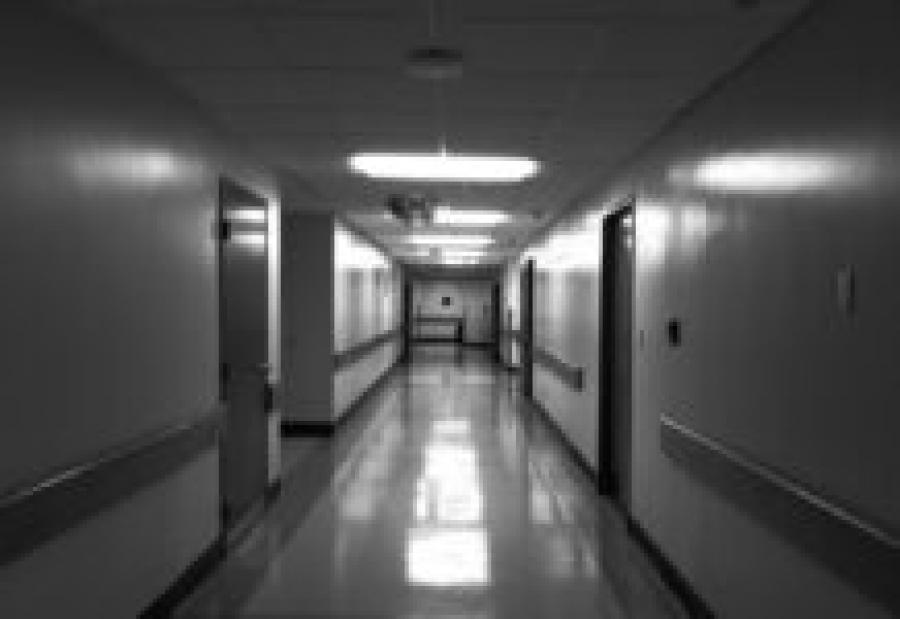«Угрожают привязыванием и уколами»: Пациентка пожаловалась на условия в стационаре Ноябрьска