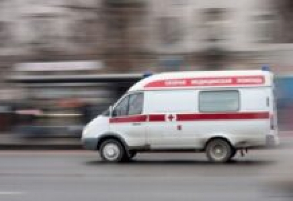 В Энгельсе сын пациентки избил фельдшера «скорой» из-за просьбы отодвинуться