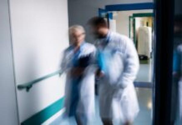 В Госдуму внесли законопроект о выходе на пенсию врачей частных клиник досрочно