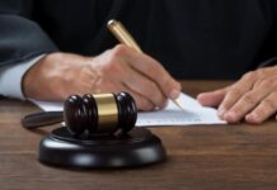 В Петербурге шесть медработников через суд добиваются выплат за заражение коронавирусом