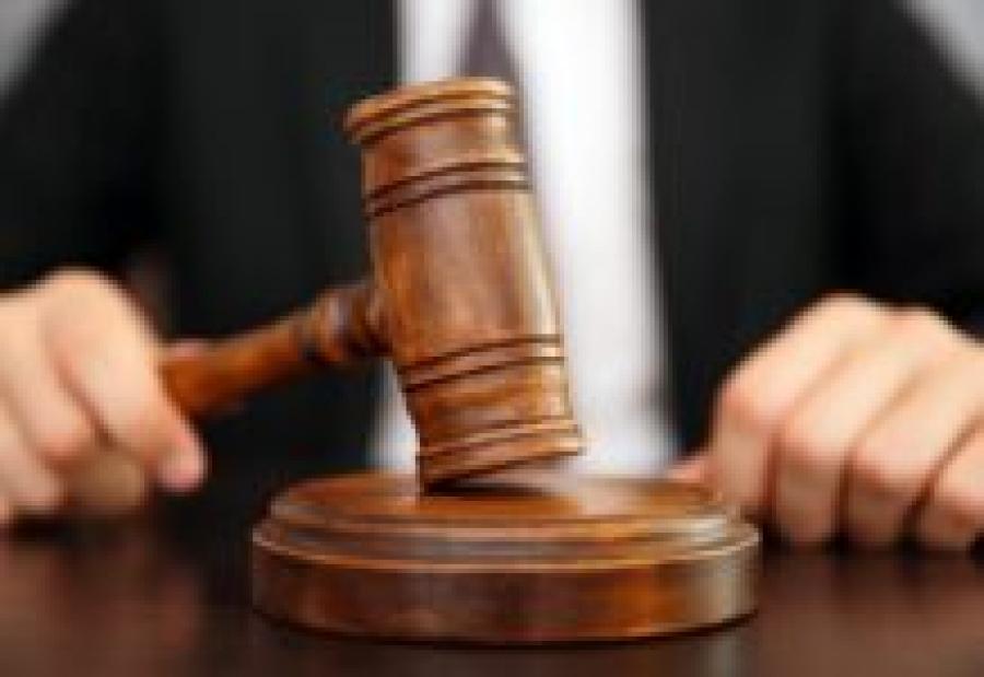Врач и фельдшер добились ковидных выплат до рассмотрения дела и отозвали судебные иски